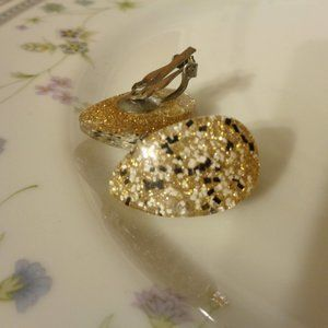 Gold speckled Lucite earrings vintage